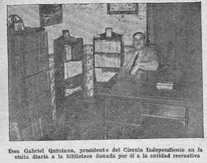 Don Gabriel Quintana, presidente del Círculo Independientes en la visita diaria a la biblioteca donada por él a la entidad recreativa.