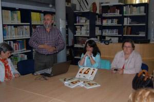 Inés Mª Mansilla en la Biblioteca Municipal