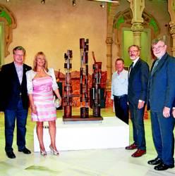 Autoridades en la inauguración de la muestra de José Damián.
