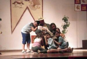 Obra de teatro solidaria