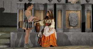 Rafael y Beatriz, como Frondoso y Laurencia. A.J. GONZÁLEZ