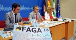 Julio Criado, Salvador Fuentes e Isabel Cabezas, ayer, en la presentación de la feria.  Africa Villén