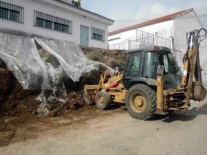 Reparación del muro de la plaza del Santo