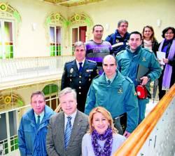 Miembros de la Junta, en el Palacete Modernista.
