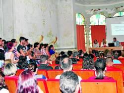 Numerosas personas asistieron a la reunión informativa - Foto:EVA M. HERAS