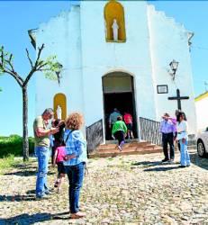 Aldea de Alcornocal La iglesia de la Santa Cruz