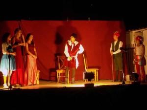 Representación de teatro en Navalcuervo