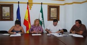La presidenta del GDR Valle del Alto Guadiato y los promotores - EVA M. HERAS