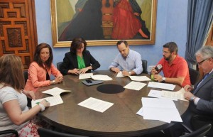 Diputación colabora con dos asociaciones en pro de la igualdad de la mujer -