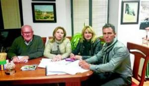 Un momento de la reunión que celebraron los alcaldes en Alanís - Foto:CORDOBA