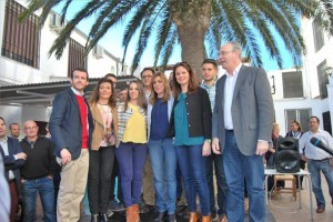 Díaz, con Durán y candidatos socialistas en Fuente Obejuna. - Foto:EVA M. HERAS