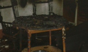 Incendio en una casa rural en Cardenchosa