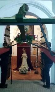 Sobriedad y recogimiento durante el Vía Crucis