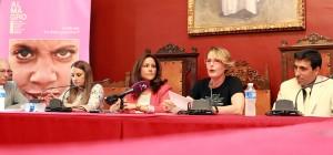 Al hermanamiento entre ambas localidades celebrado ayer le seguirá la puesta en escena hoy de 'Fuenteovejuna' abriendo la programación del Festival de Almagro / Foto: Elena Rosa