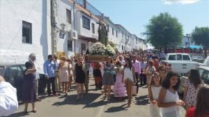 Los vecinos de las aldeas de La Cardenchosa y Los Morenos celebran la fiesta de Santa Elena -