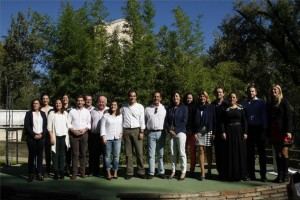 Foto de familia de los candidatos del PP. En el centro, Jurado, Nieto, Merino y Ceballos, ayer en el jardín Botánico. - FRANCISCO GONZÁLEZ