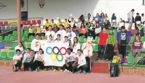 Los alumnos del instituto que han participado en la jornada olímpica. - CÓRDOBA