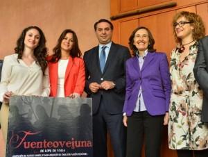 Carmen Gómez, Silvia Mellado, Francisco Javier Fernández, Rosa Aguilar y Marisa Ruz, ayer en Sevilla. - CÓRDOBA