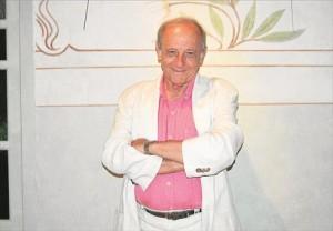 Emilio Gutiérrez Caba analizó ayer la vigencia del mensaje de la obra de Lope 'Fuenteovejuna'. - E.M.H.
