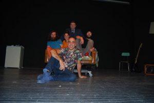 Los actores y su director, en el teatro Lope de Vega, de Fuente Obejuna - EVA M. HERAS