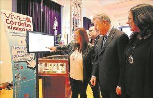 Ana Carrillo y Juan José Primo Jurado, durante la inauguración del evento en el Palacio de la Merced. - MANUEL MURILLO