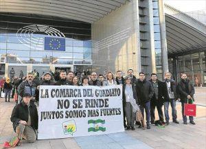La última acción reivindicativa ha sido la realizada por miembros de IU en Bruselas. - CÓRDOBA