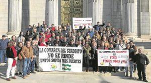 Miembros de la delegación cordobesa que ayer viajó a Madrid para reclamar el Miner. - CÓRDOBA