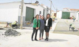Luisa Mª Rodríguez, Mª Dolores Cano y Silvia Mellado, en Cuenca. - EVA M. HERAS