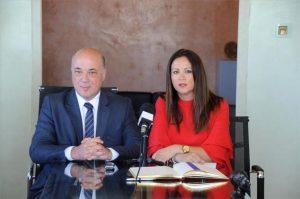 El presidente de la Diputación de Córdoba, Antonio Ruiz, y la alcaldesa de Fuente Obejuna, Silvia Mellado. - Foto: CÓRDOBA