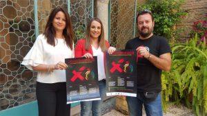 La delegada de Educación con la alcaldesa de Fuente Obejuna y Javier Goytre, miembro del colectivo Brumaria. - CÓRDOBA