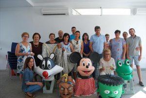 La alcaldesa, Silvia Mellado, con los participante en el taller. - EVA M. HERAS